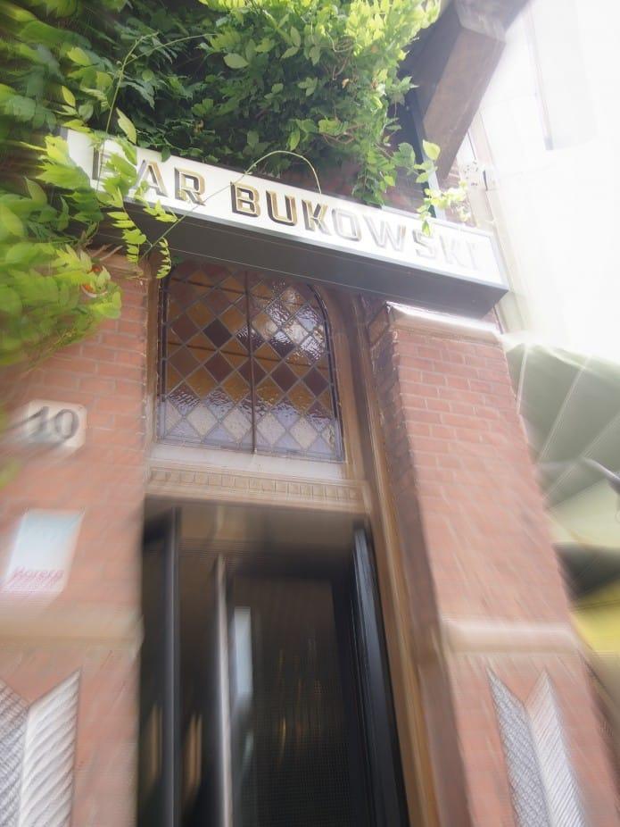 Bar Bukowski aan het Oosterpark in Amsterdam