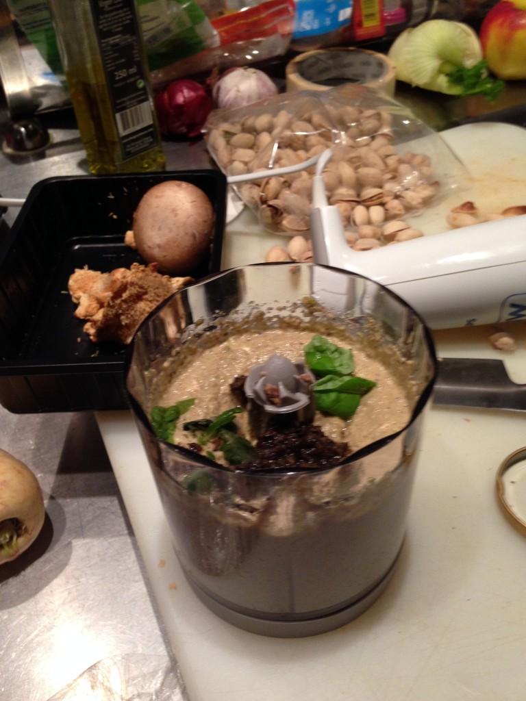 Kip gevuld met truffel en pistache