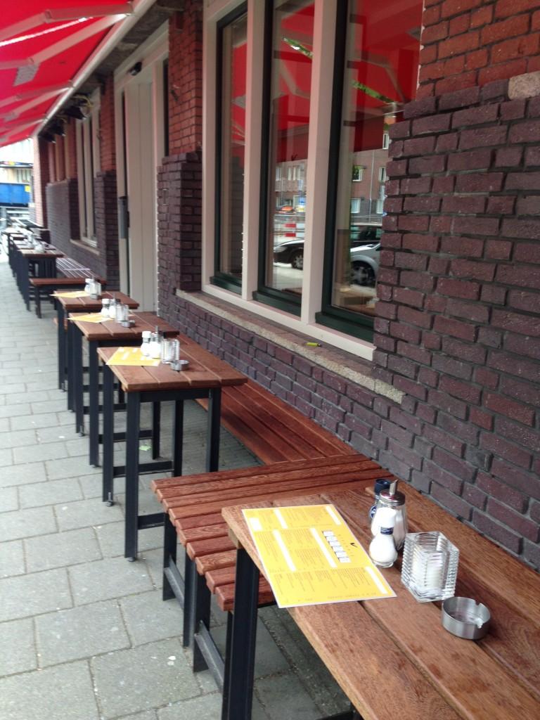 Hotspot restaurant en bar Brouwerij Troost op het Cornelis Troostplein in De Pijp heeft een eigen bierbrouwerij