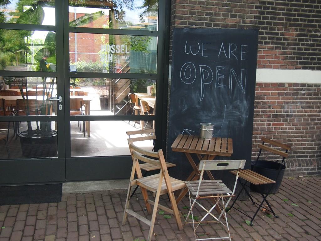 Restaurant Mossel en Gin Foodbar nieuwe hotspot in Amsterdam Westerpark voor mosselen en gin