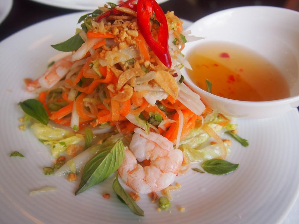 Lekker eten bij restaurant Pho 91 op de Albert Cuypstraat in de Pijp Amsterdam Vietnamese salade