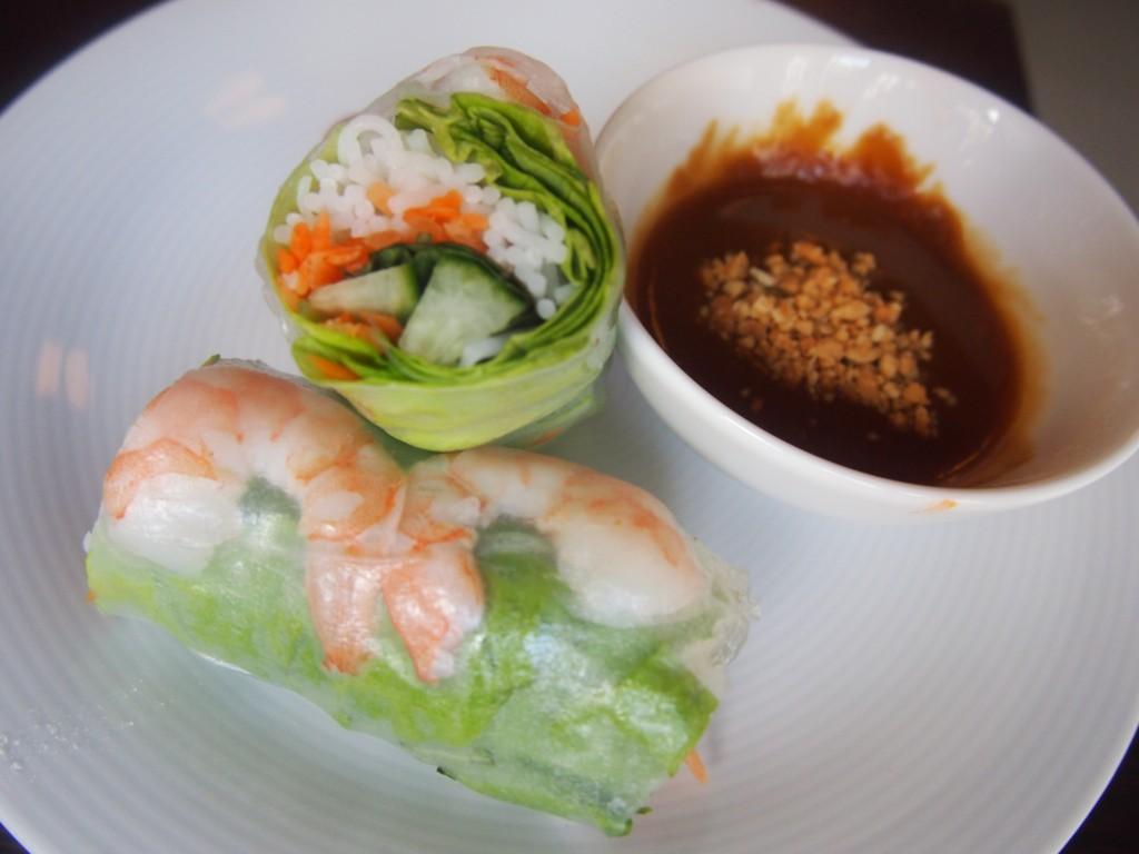 Lekker eten bij restaurant Pho 91 op de Albert Cuypstraat in de Pijp Amsterdam rijstloempia's