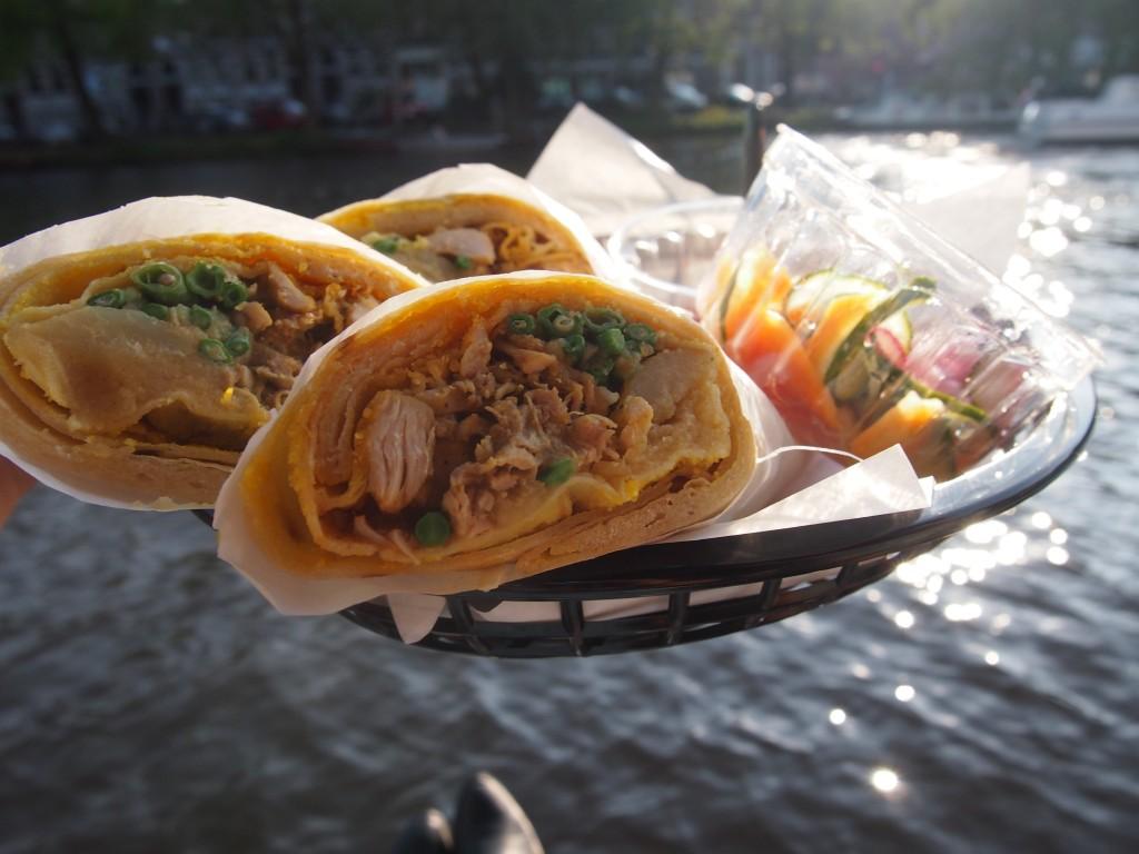 Waterkant Amsterdam lekker eten roti Surinaams