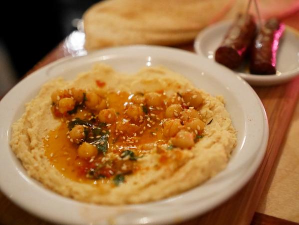 meneer-de-wit-heeft-honger-huisgemaakte-hummus