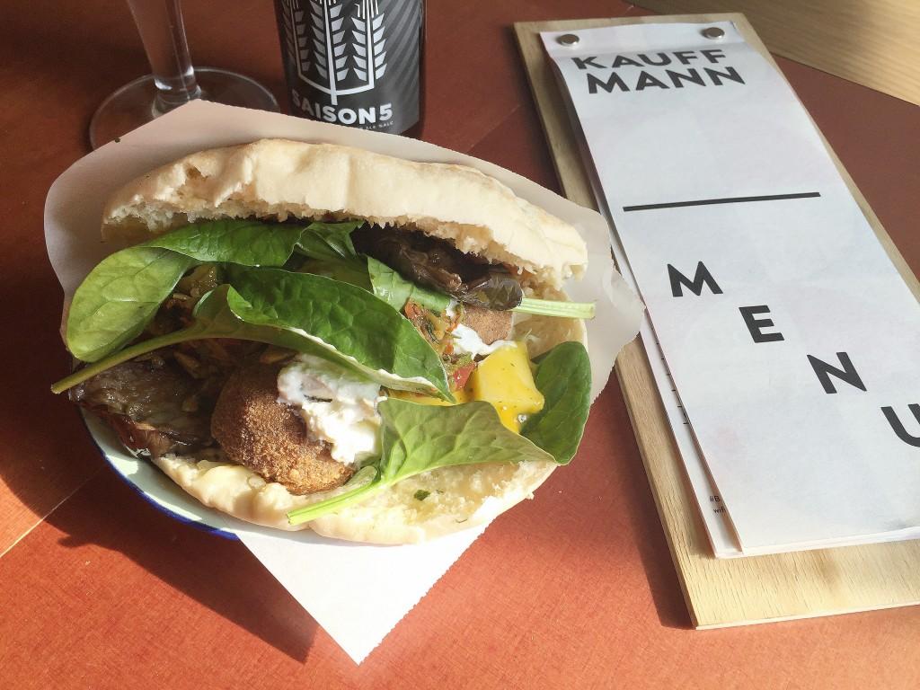 bar-kauffmann-amsterdam-bier-falafel
