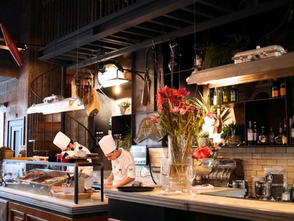 Ron Gastrobar Paris bistro restaurant Amsterdam