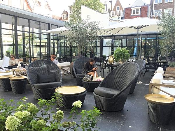 Pause Amsterdam tuin terras