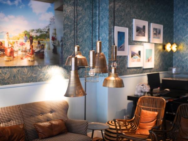 brooks-amsterdam-zuid-lounge