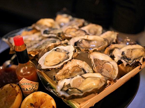 De Bajes restaurant Amsterdam oesters borrel