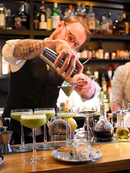 Rosalia's Menagerie Amsterdam bar cocktail