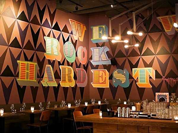De Bajes Amsterdam restaurant bar uit eten