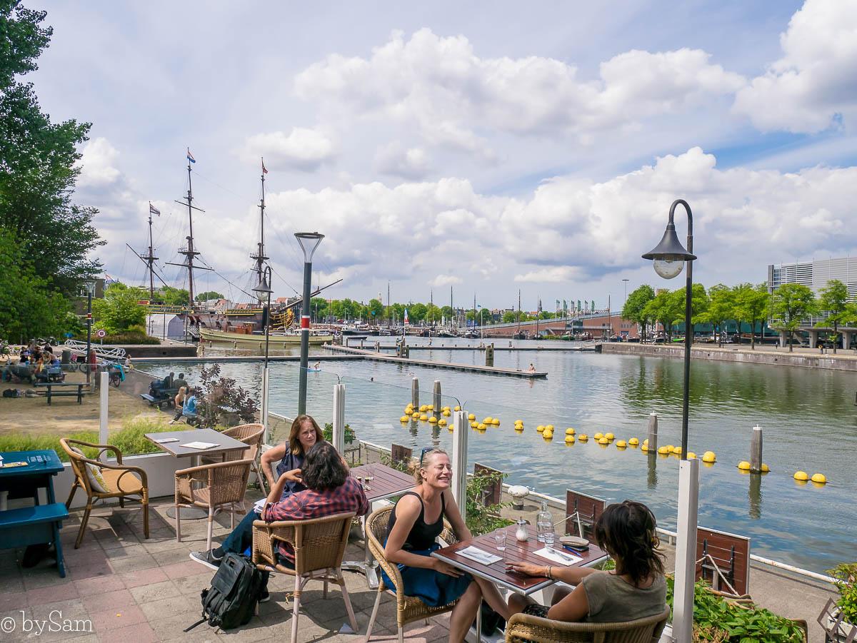 Pension Homeland Amsterdam terras