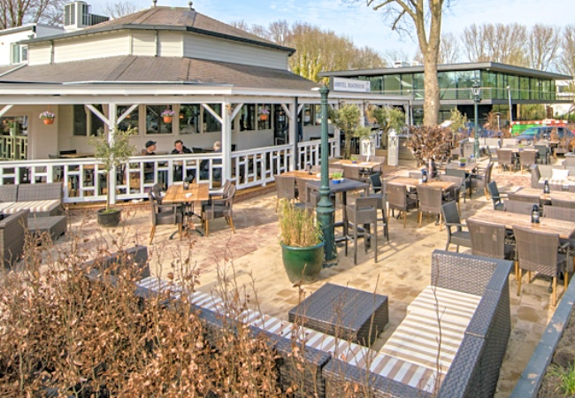 Terras Amsterdam Amstel Boathouse