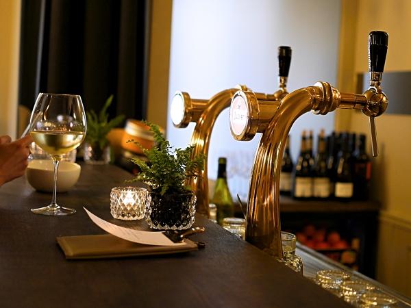 Wijmpje Beukers Amsterdam de Pijp bar