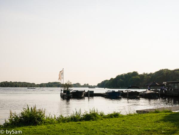 terras aan het water Amsterdam