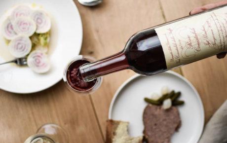 Eigenaresse Rebel Wines opent wijncafé Alex + Pinard in Oost