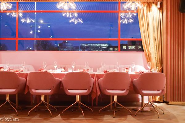 Mama Kelly restaurant roze pink