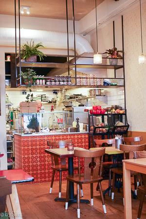 Hummus Bistro d&a Amsterdam Oost restaurant