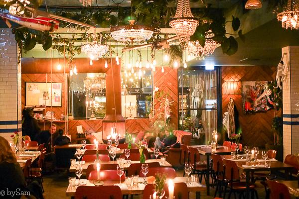 Meneer Nieges restaurant open haard Amsterdam